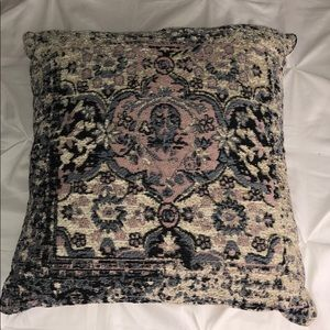 19x19in decorative pillow